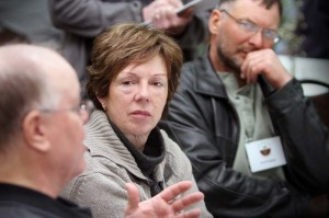 Midwest Soil Health Summit attendees listen to Gabe Brown at a MSHS Discussion Table at the 2014 event.